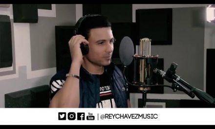 Rey Chavez – Un Monton De Estrellas (Polo Montañez Cover)