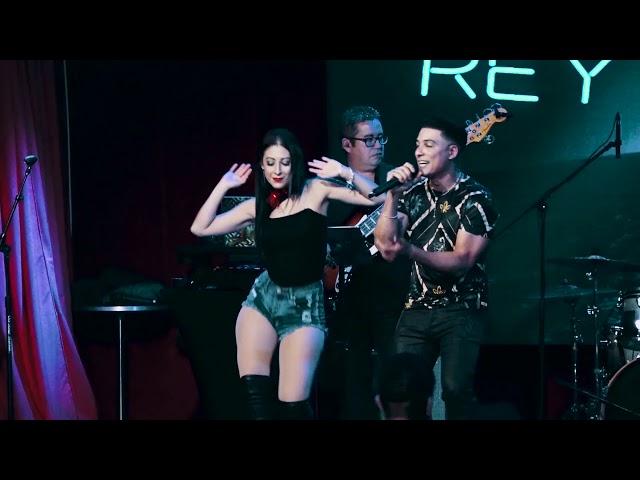 Rey Chavez – Anitta (LIVE – Flamingo Theater Bar)